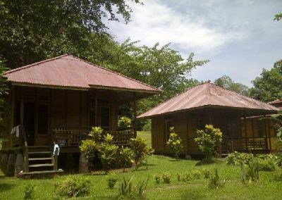 lorenso-cottages-beach-garden-bunaken